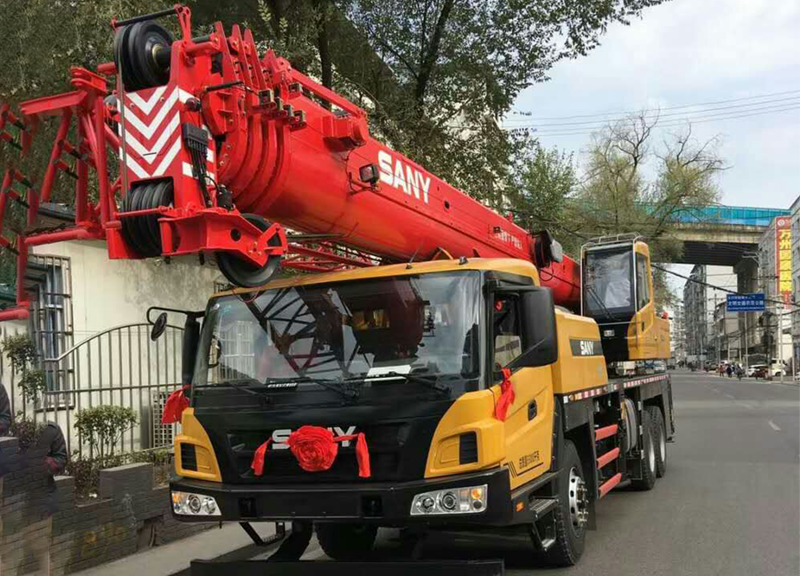 赤水300吨吊车出租